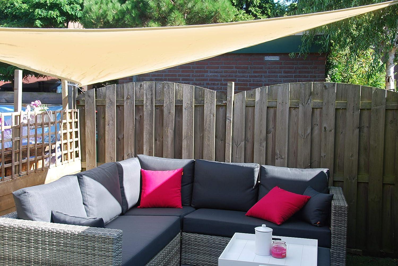 Toldo vela triangular para patio y terraza