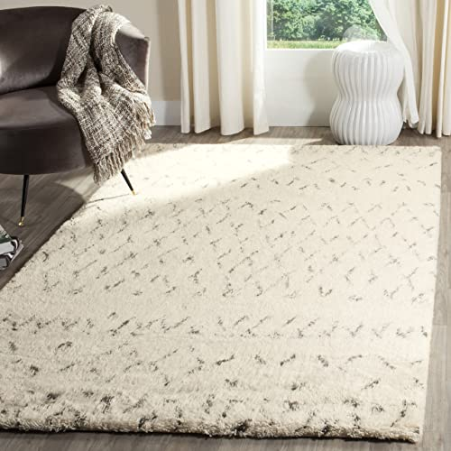 Safavieh Casablanca Shag Collection CSB851B Southwestern Ivory and Grey Premium Wool Cotton Area Rug 5' x 8'