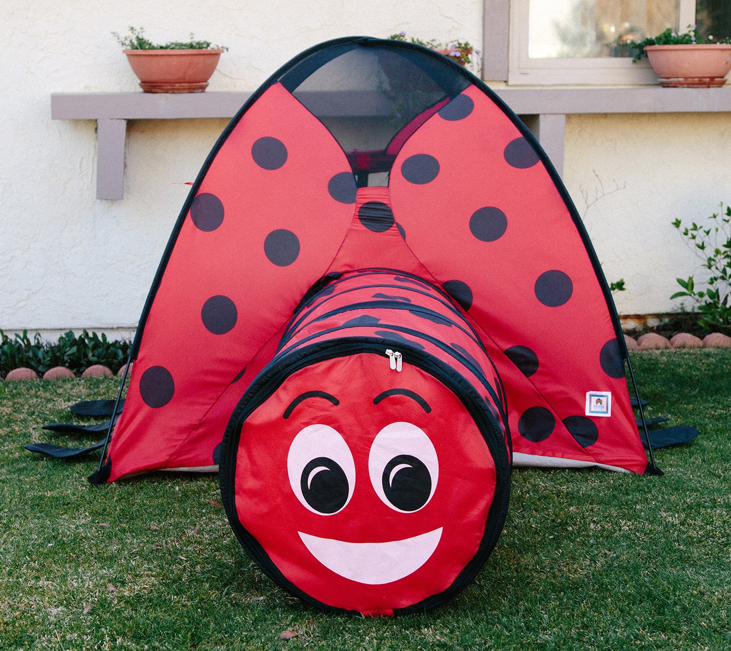 Pacific Play Tents 19420 Kids Lady Bug 8-Foot Parachute with handles /& Carry Bag for Indoor//Outdoor Fun