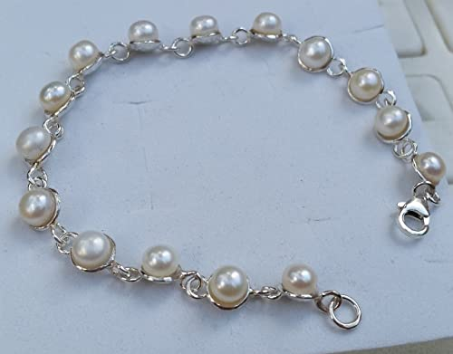 classic bride for her white pearl bracelet traditional pearls pearl jewelry White pearl bridal bracelet pearl white stretch bracelet