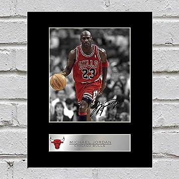 Foto enmarcada firmada por Michael Jordan Chicago Bulls # 3: Amazon ...