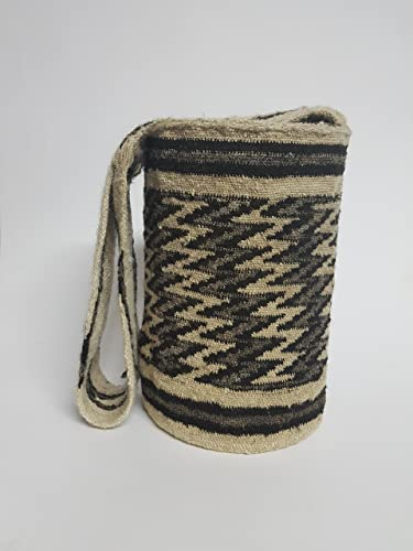 Amazon.com: Real Native Colombian Arhuaco handbag - Colombian mochila - Handmade and woven from sheep wool by women ARSEY 0032: Handmade