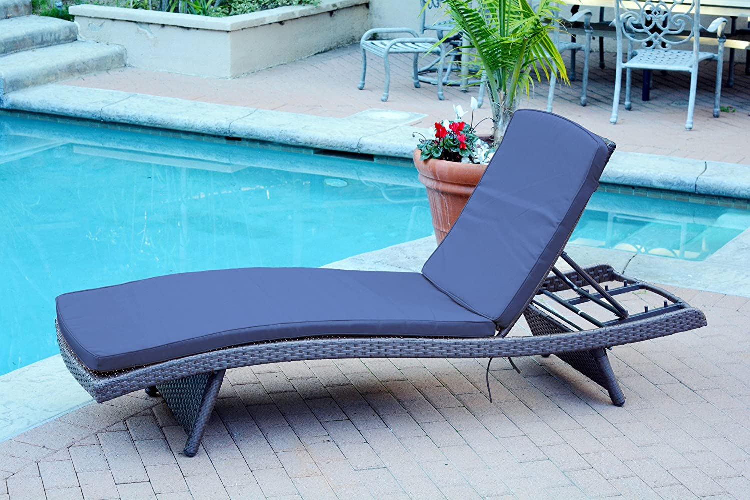 Jeco Wicker Adjustable Chaise Lounger with Ivory Cushion – Set of 19