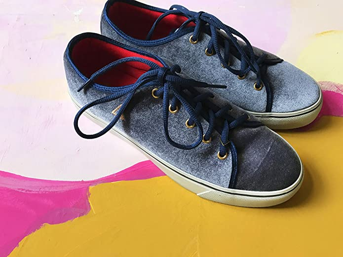 vegane-sneaker-samt-optik-blau