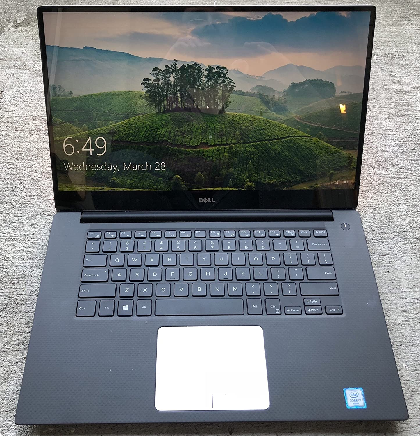 "Dell XPS 15 9550 Laptop 15.6"" 4K UHD (3840x2160) InfinityEdge touch Screen, Intel Skylake i7-6700HQ Quad Core, 1TB SSD, 32GB Ram, NVIDIA GTX 960M 2GB Win 10 (Renewed)"