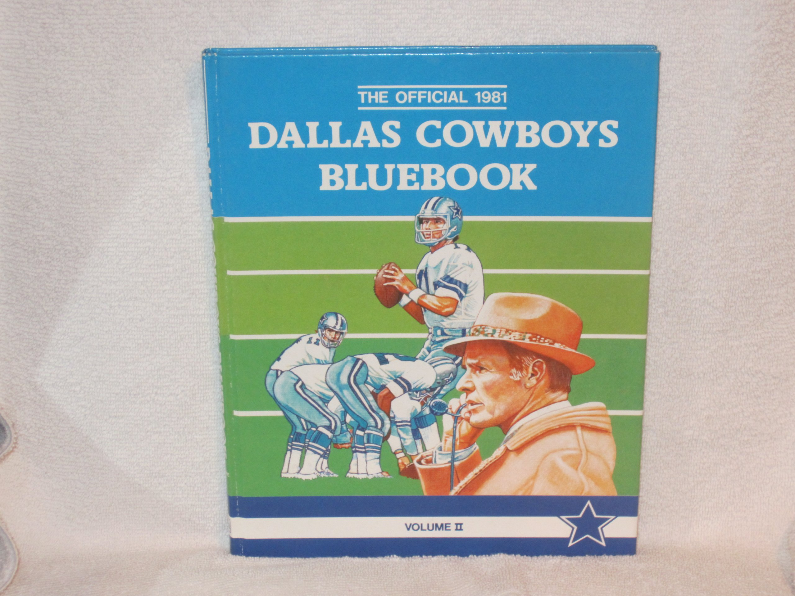The Official 1981 Dallas Cowboys Bluebook (Vol II): Amazon.com: Books