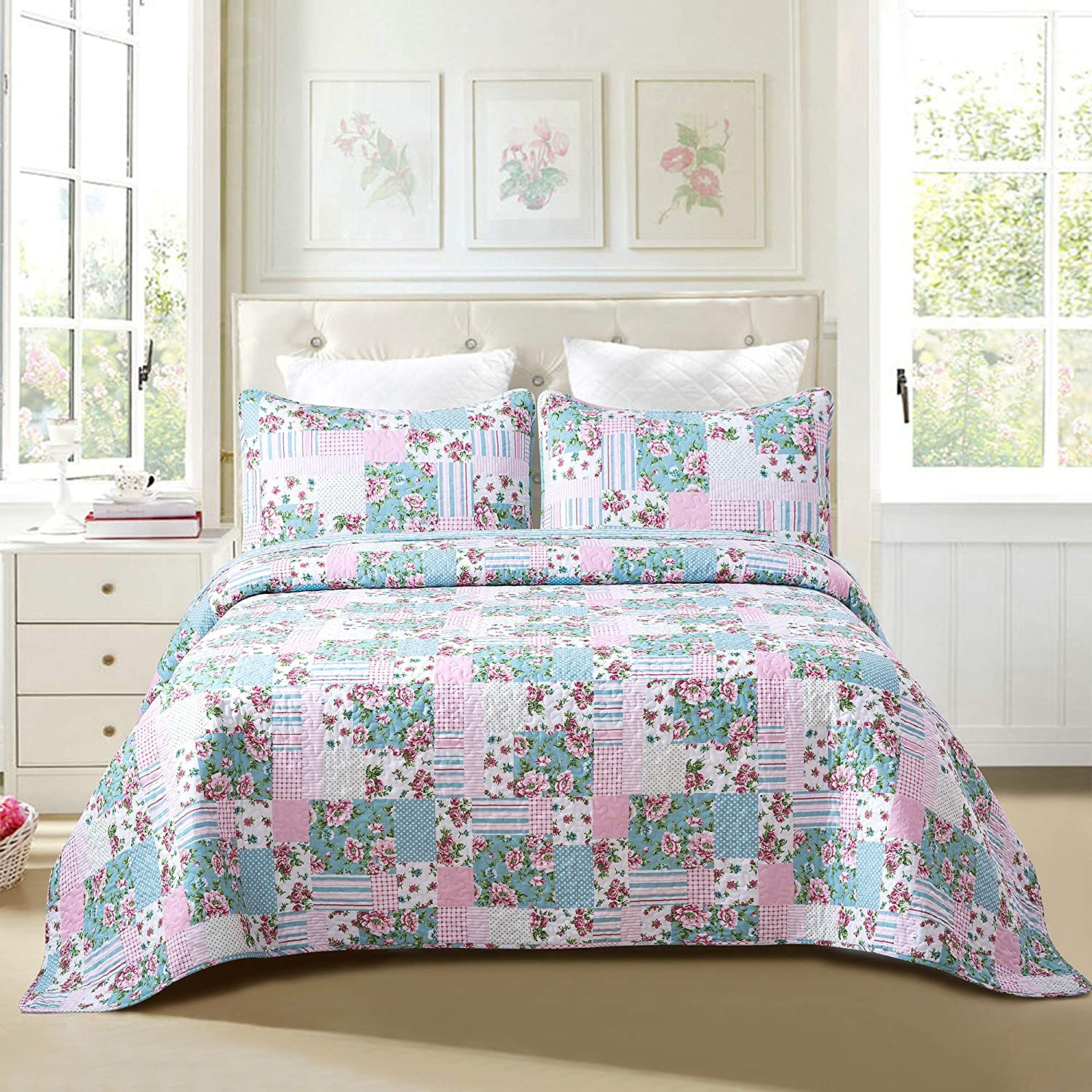 with 2 Shams Machine Washable All-Season Bedspread Coverlet Sole /& Lane Budding Beauty 3-Piece 100/% Cotton Lightweight Printed Quilt Set King