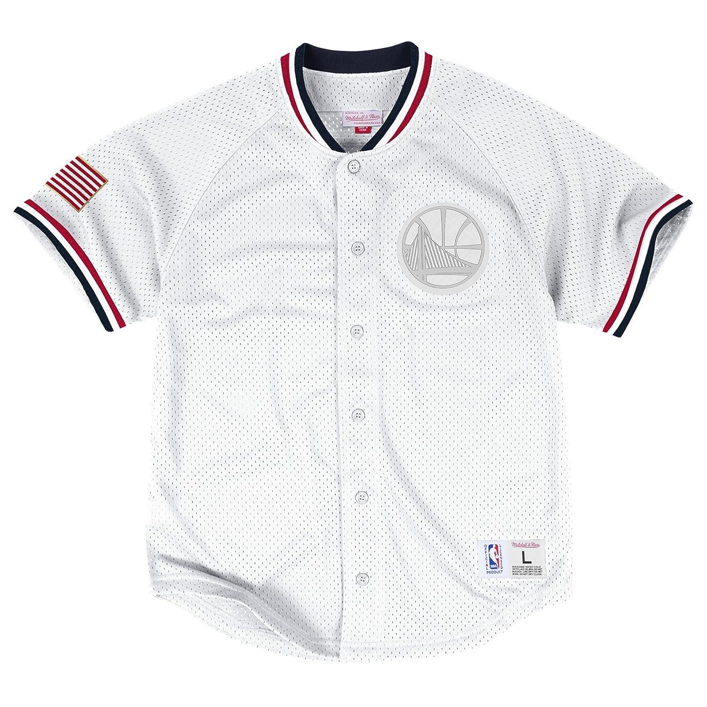 efd3e3a06d8 Amazon.com  Mitchell   Ness Golden State Warriors Seasoned Pro Mesh Button  Jersey White  Clothing