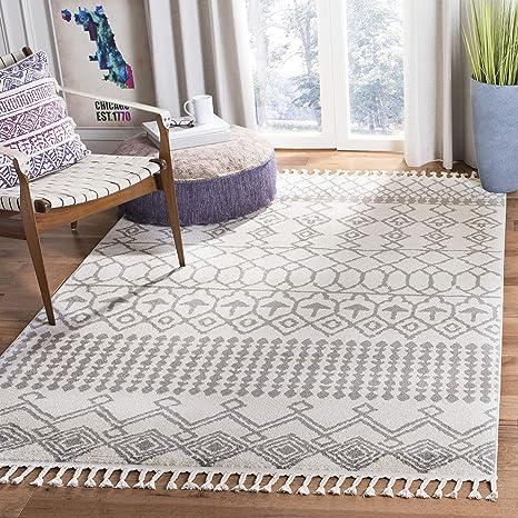 Safavieh Kasbah Collection Kbh173a Moroccan Boho Tassel Non Shedding Stain Resistant Living Room Bedroom Area Rug 4 X 6 Ivory Grey Furniture Decor