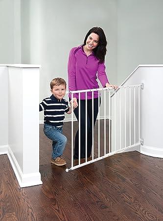 Amazon Com Advanta Baby Stairway Gate Baby