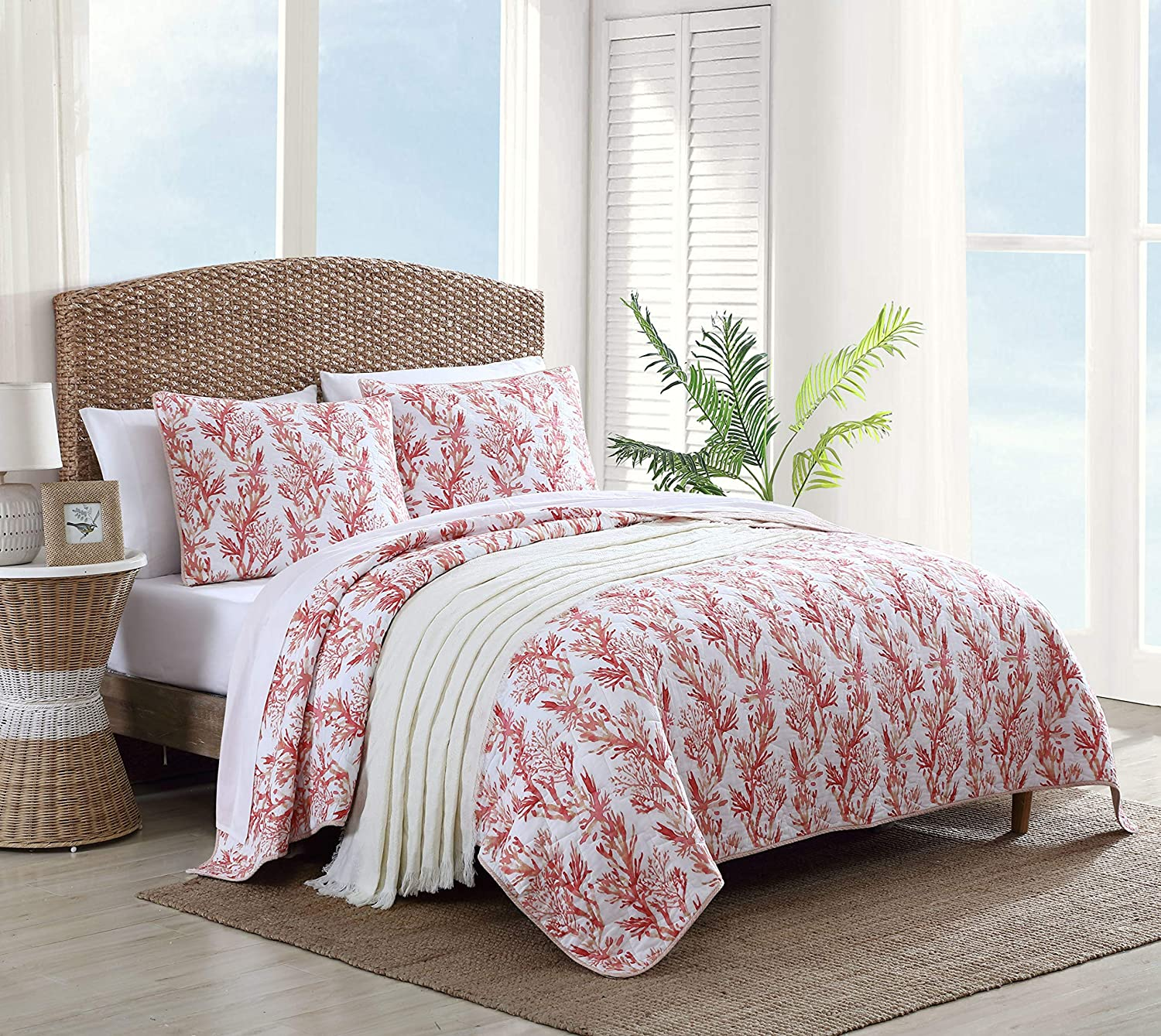 Tommy Bahama - USHSA91166842 | Sunset Reef Collection | Comforter Set Cotton Bedding, Reversible Design and Pre-Washed for Added Softness, Twin, Coral