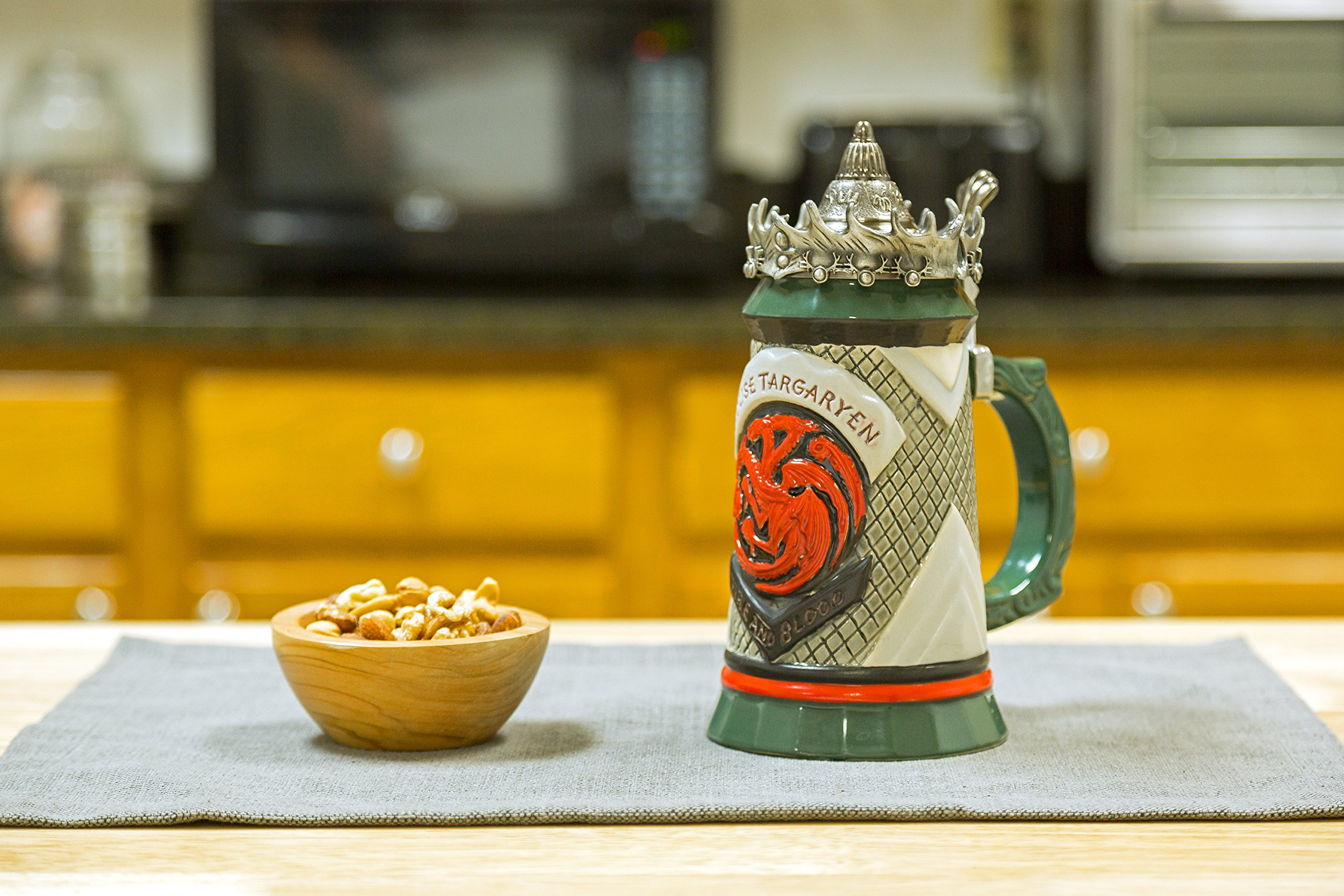Game of Thrones House Targaryen Stein - 22 Oz Ceramic Base with Pewter Baratheon Crown Top by Game of Thrones (Image #7)