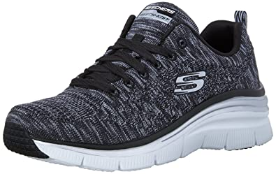 Skechers Womens Fashion Fit Style Chic Sneaker      Black White      US 75 M