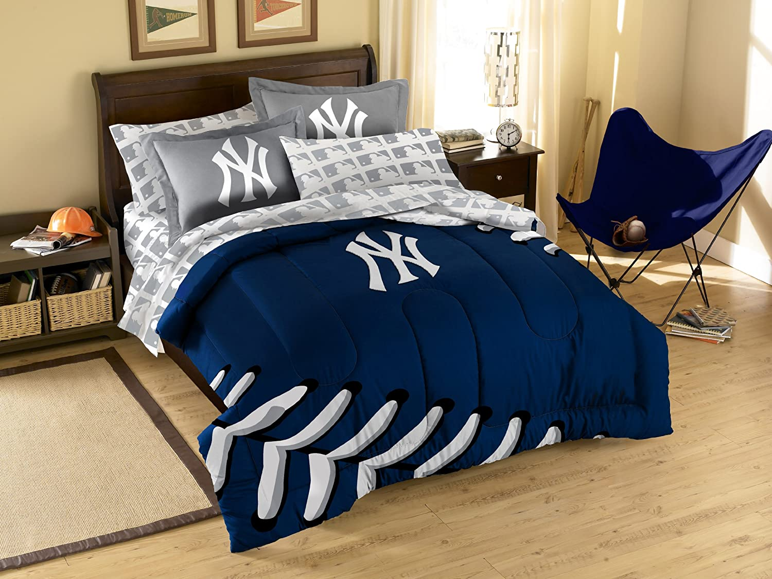 Comforter, 1 Flat Sheet, 1 Fitted Sheet, 2 Pillow Cases, 2 Shams New York Yankees 7 Pc FULL Size Bed in a Bag SAVE BIG ON BUNDLING!