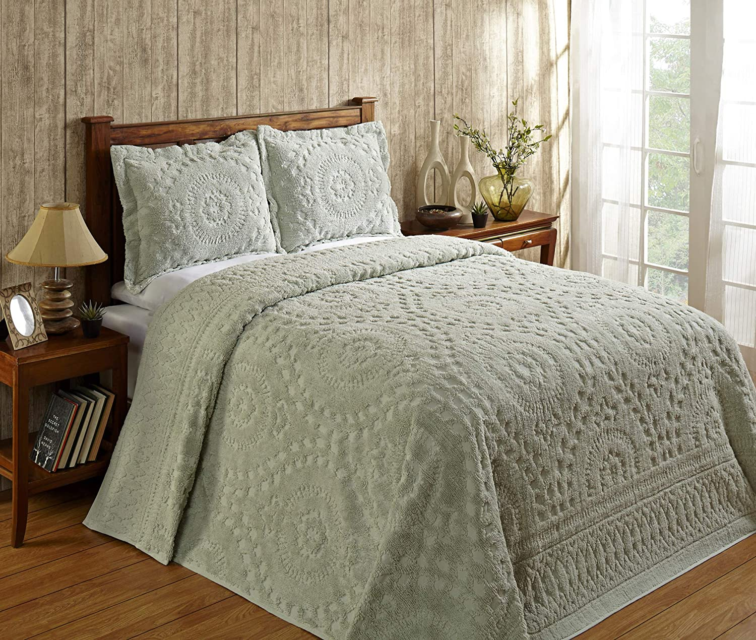 Better Trends Rio Collection in Floral Design 100% Cotton Tufted Chenille, Queen Bedspread, Sage