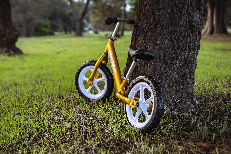 Amazon.com: Bicicleta de equilibrio Cruzee UltraLite (4.4 ...