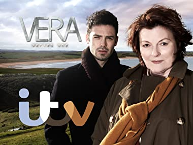 bbf4db5f24 Amazon.co.uk  Watch Vera Season 1