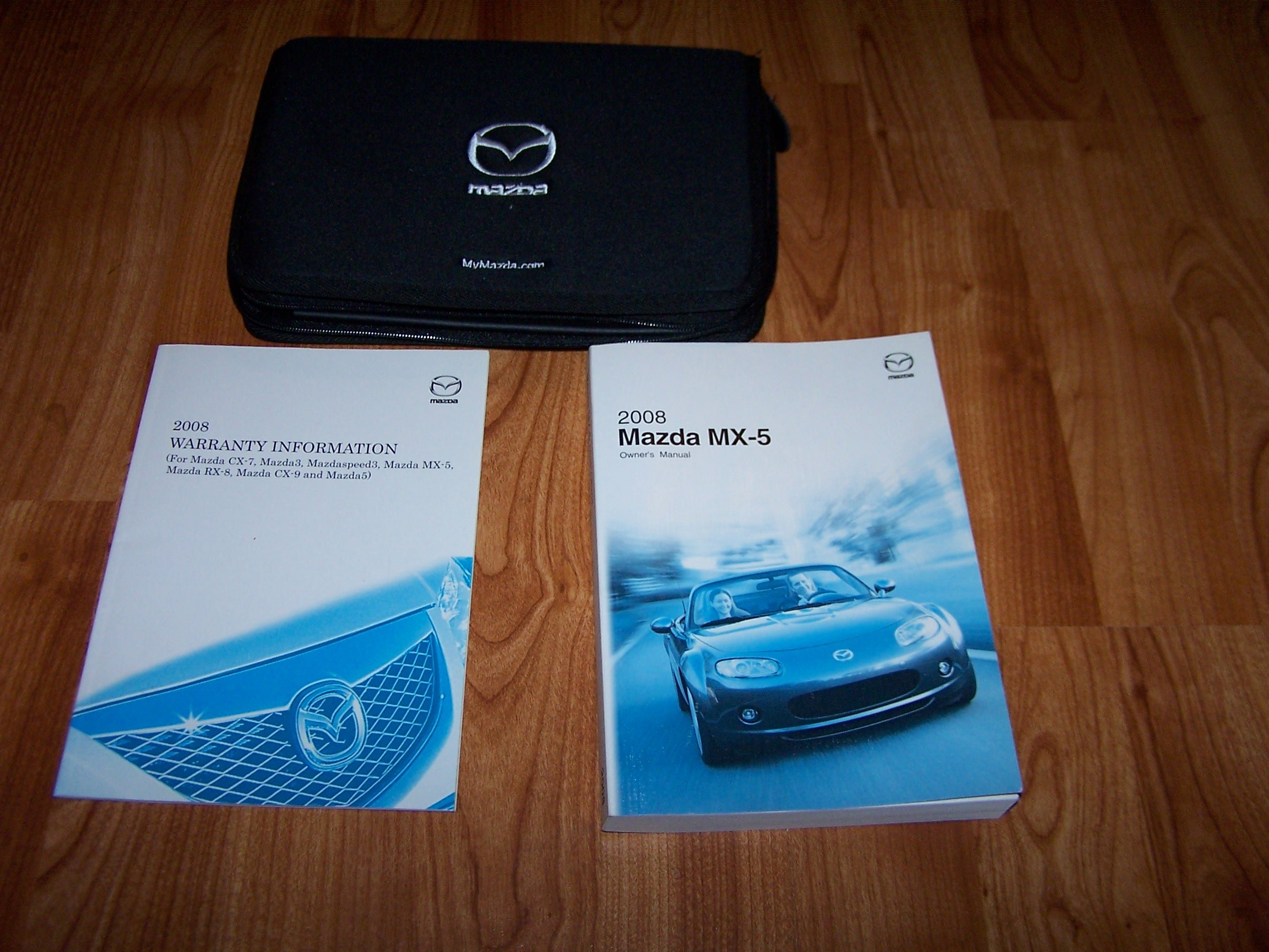 2008 mazda miata mx 5 mx5 owners manual amazon com books rh amazon com 2008 mx 5 owners manual 2008 MX-5 Special Edition