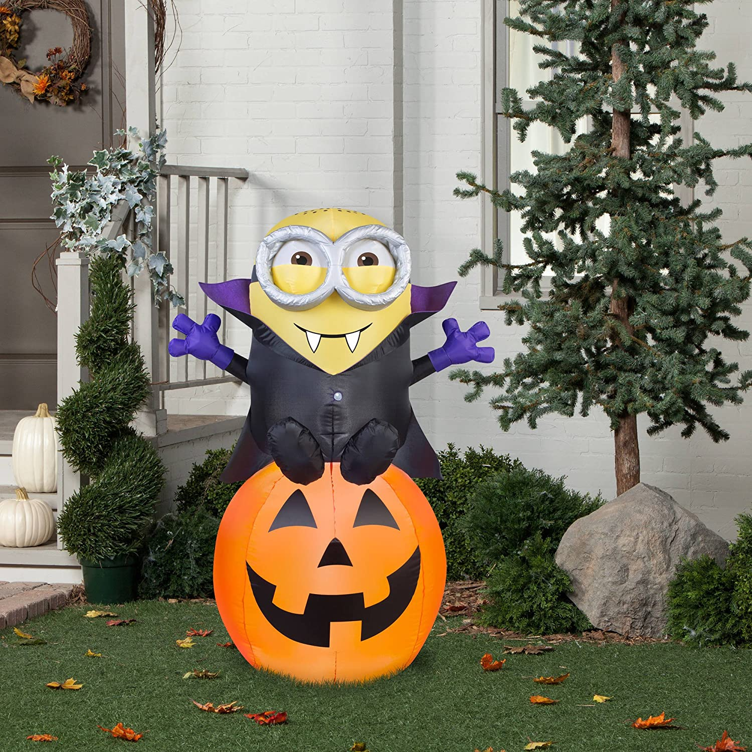 amazon com halloween inflatable 5 vampire minion bob on pumpkin - Outdoor Halloween Decorations On Sale
