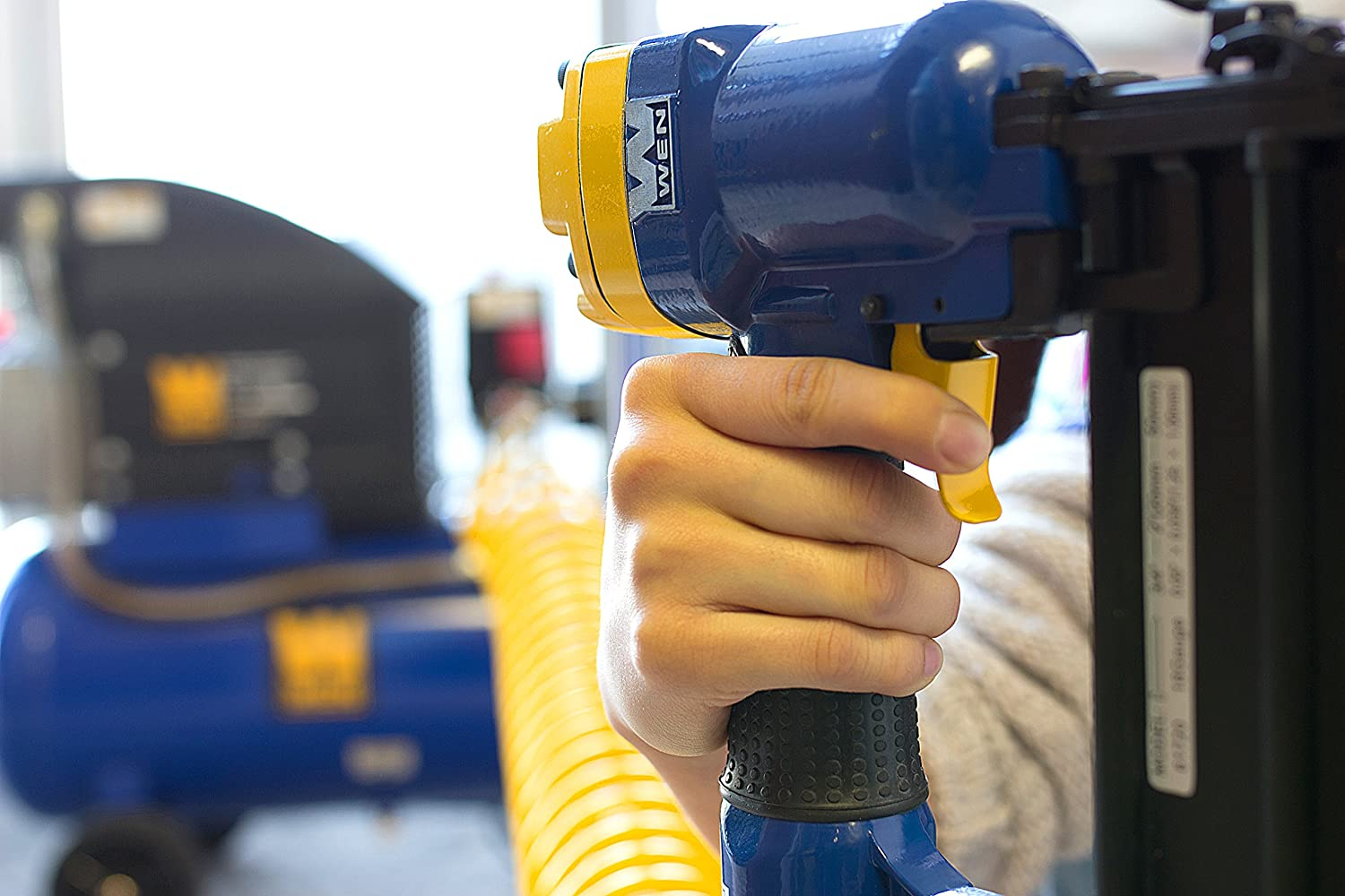 Best Brad Nailer Reviews and Buying Guide 2019 8