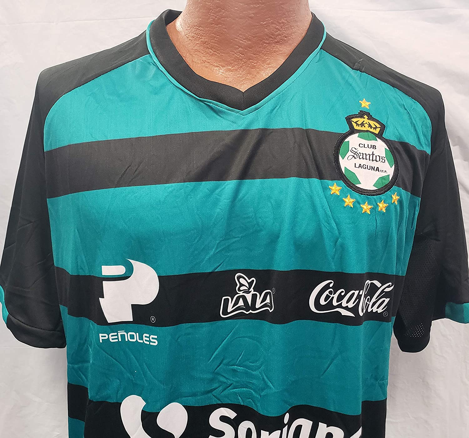 e51036cf0 Amazon.com   New! Santos Laguna Generic Replica Jersey Adult Size Large    Sports   Outdoors