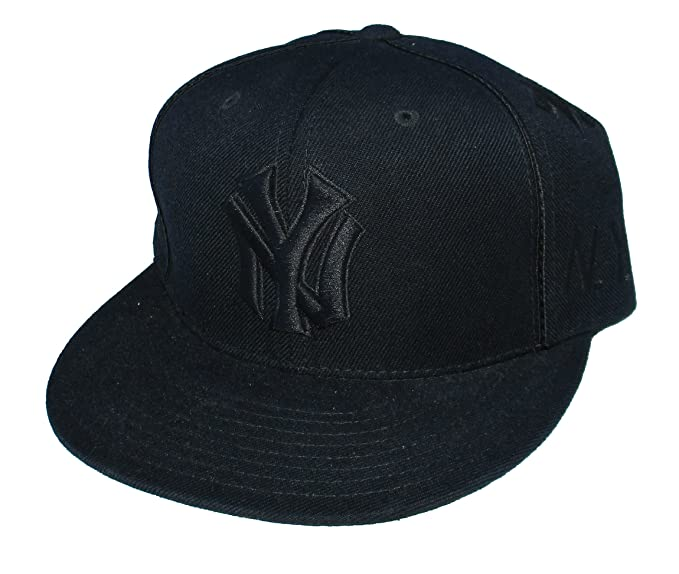49514f87 Amazon.com : New York Yankees Fitted Size 7 1/4 Black All Over NY ...