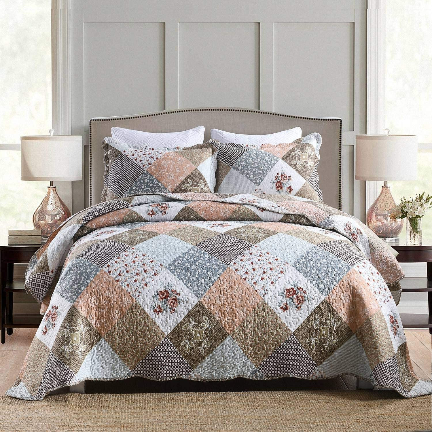 Homcosan Quilt Bedspreads Sets Queen/Full Size (90x98 inches), Reversible Mocha Floral Patchwork Patterns, Lightweight Coverlet for All Season, 3-Piece Bedding (1 Quilt + 2 Pillow Shams)