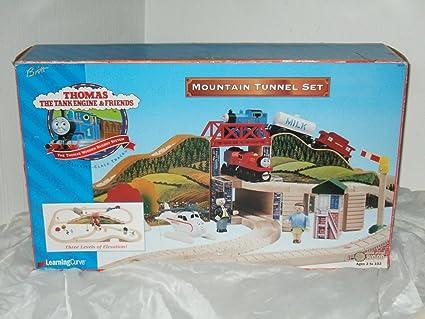 Amazoncom Thomas The Tank Engine And Friends Mountain Tunnel Set