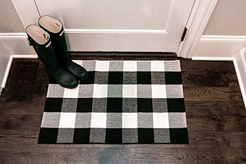 Niceties Black and White Checkered Rug Buffalo Plaid Woven Indoor Washable Mat 2 x3