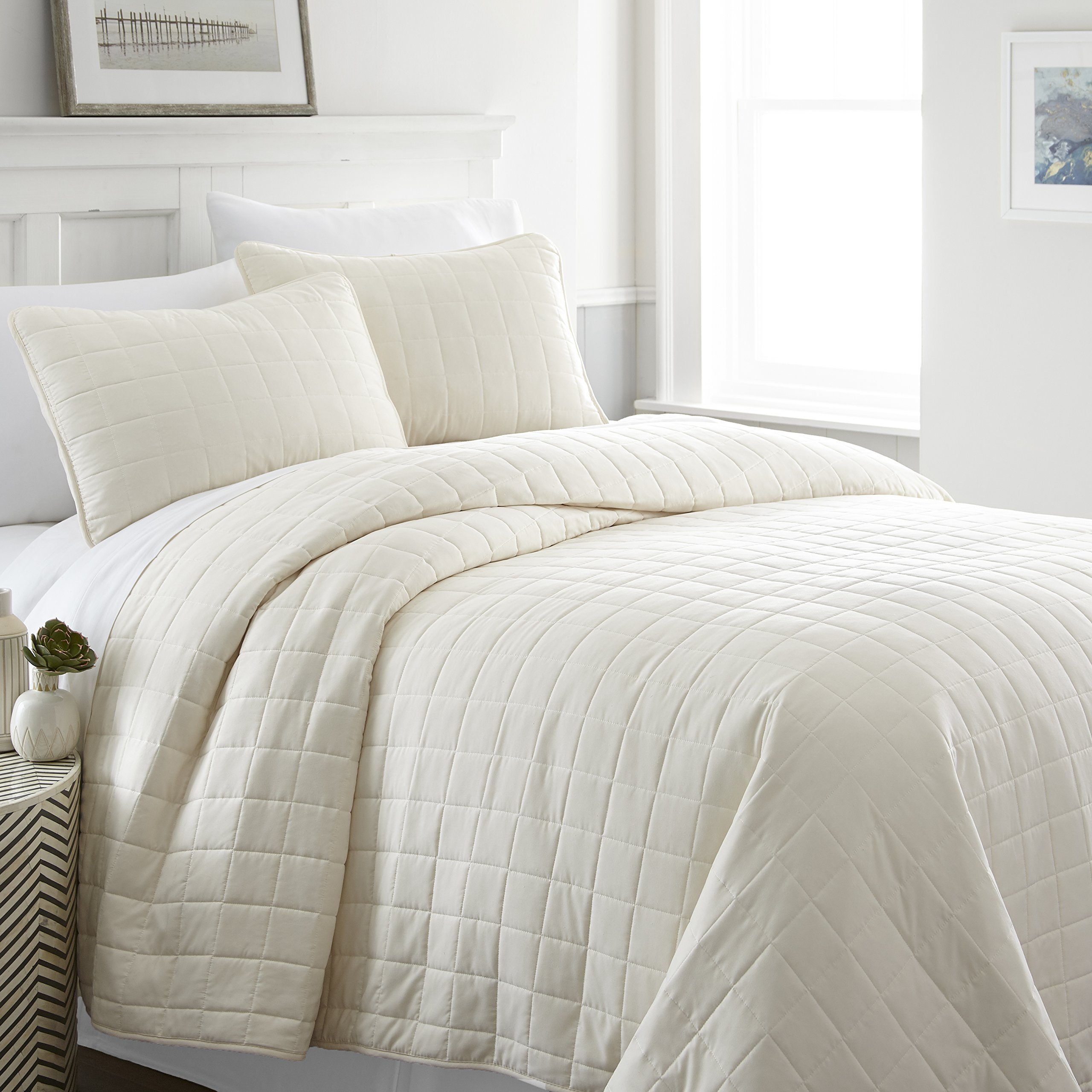 ienjy Home Square Patterned Quilted Coverlet Set, King, Ivory