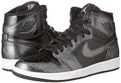 watch a85ef 723f2 Amazon.com   Jordan Air 1 Retro High   Basketball