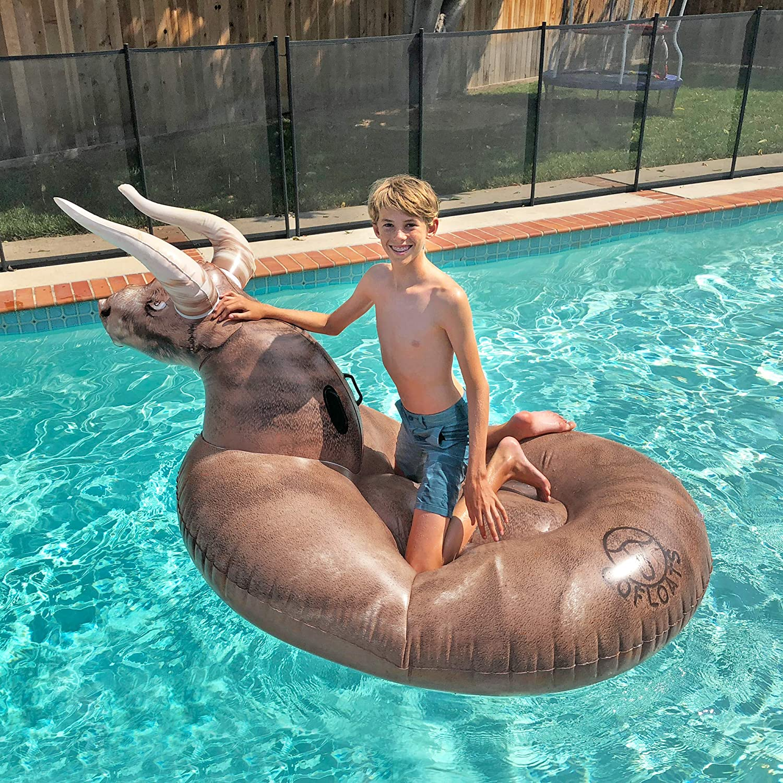 GoFloats Hebilla hinchable gigante con diseño de toro, incluye flotador de bebida: Amazon.es: Deportes y aire libre