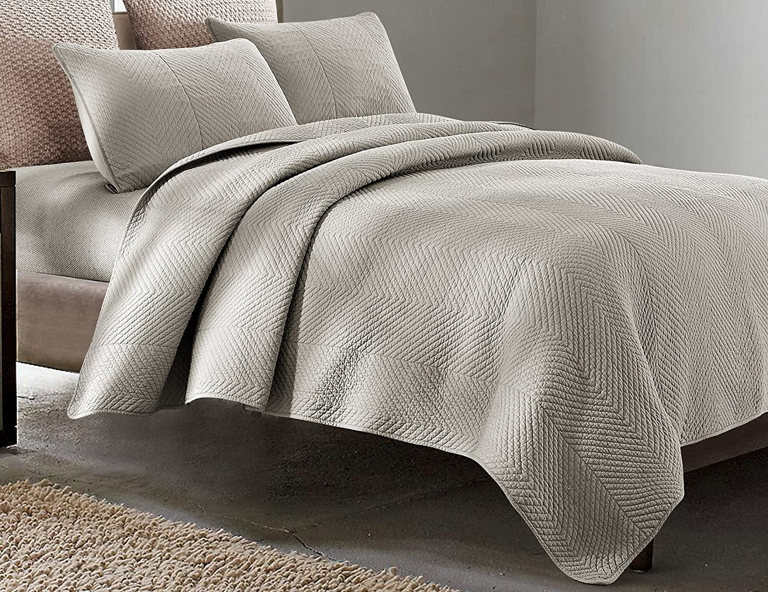 Bright White Hedaya Home Fashions Chevron Quilt Set Full//Queen