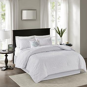 Amazon Com Madison Park Quebec Queen Size Bed Comforter Set White