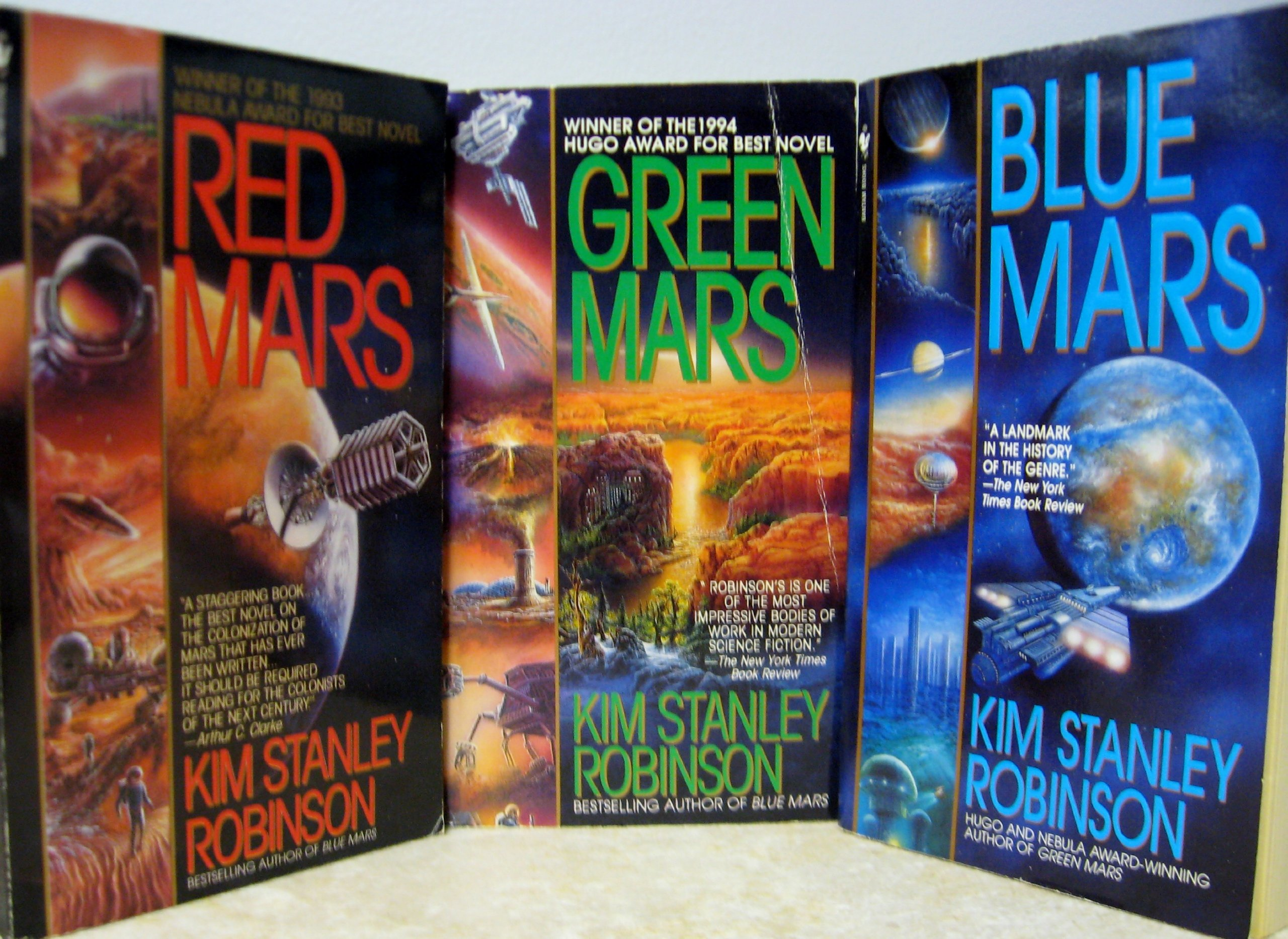 Mars Trilogy [Boxed Set] Red Mars, Green mars, & Blue Mars (1995): Kim Stanley  Robinson: Amazon.com: Books