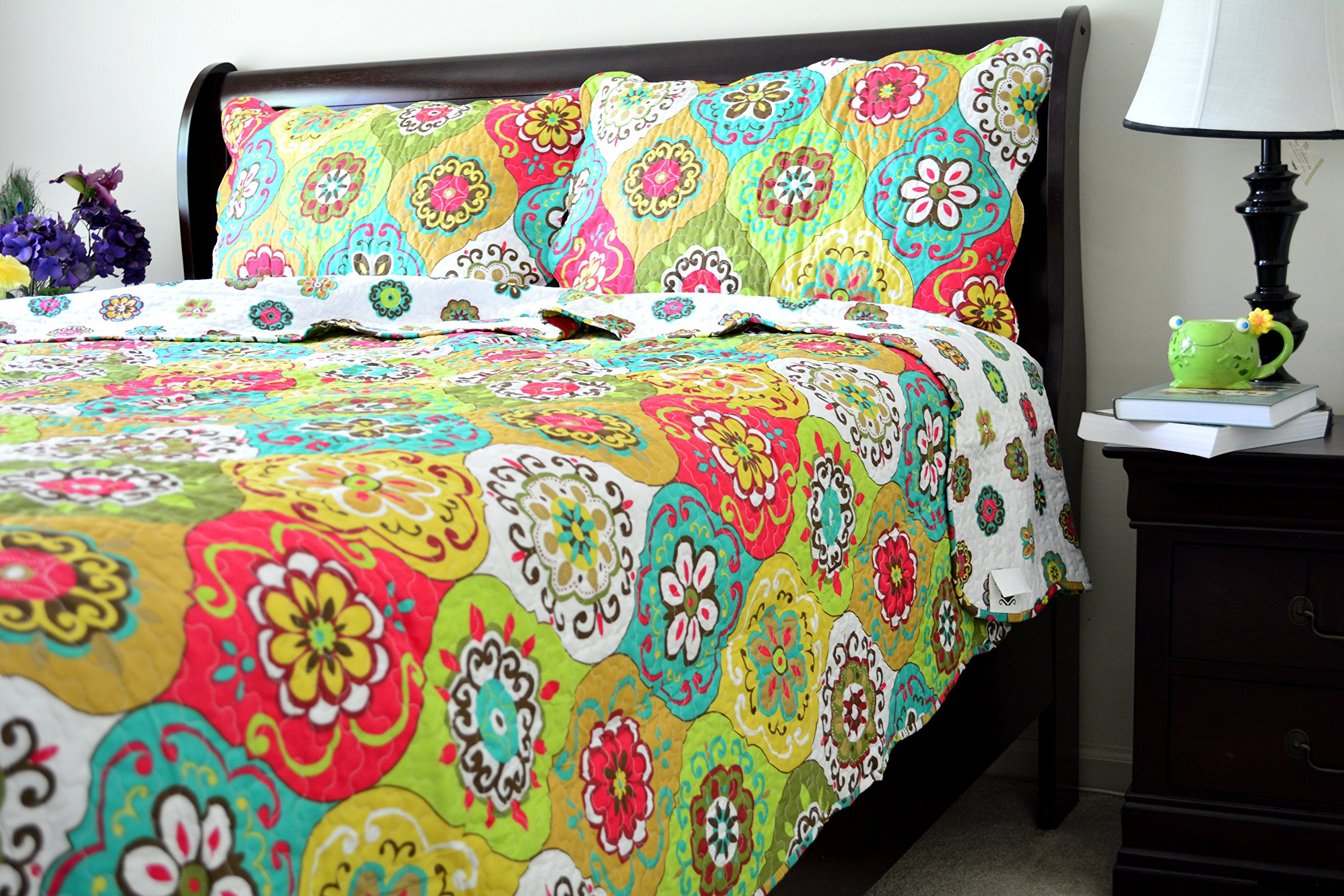 Tache Green Colorful Floral Geometric Leap into Summer Reversible 3 Piece Bedspread Set, Queen