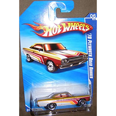 Hot Wheels 2010 NIGHTBURNERZ 094/240 Gold/White '70 Plymouth Road Runner 06 of 10: Toys & Games