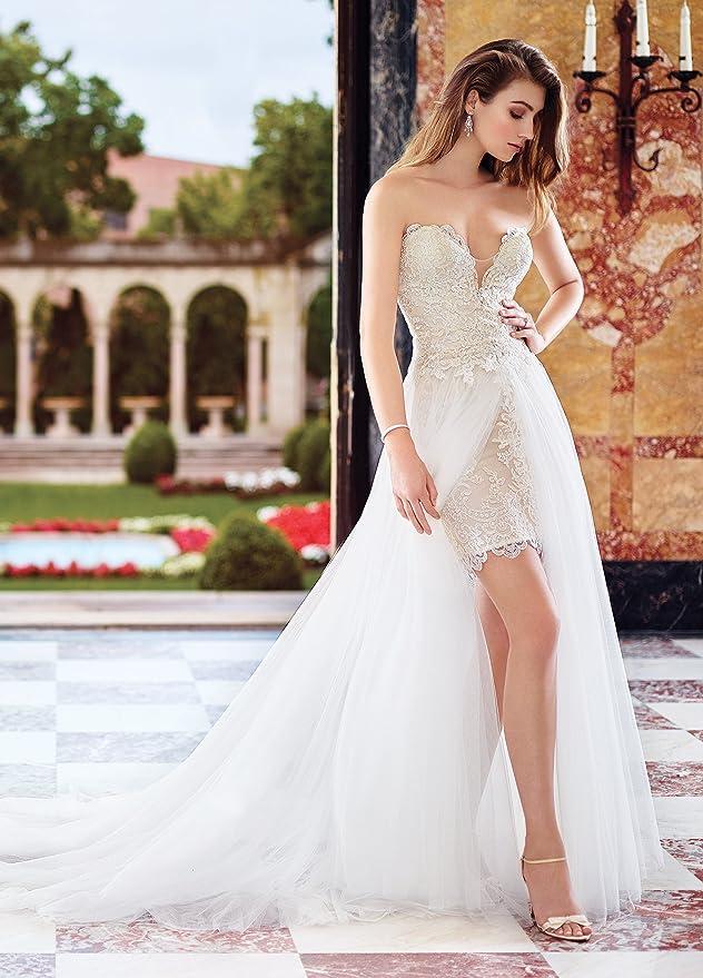 305e550849 Lazacos Women s Sweetheart Lace Applique Detachable Train Short Beach  Wedding Dress at Amazon Women s Clothing store