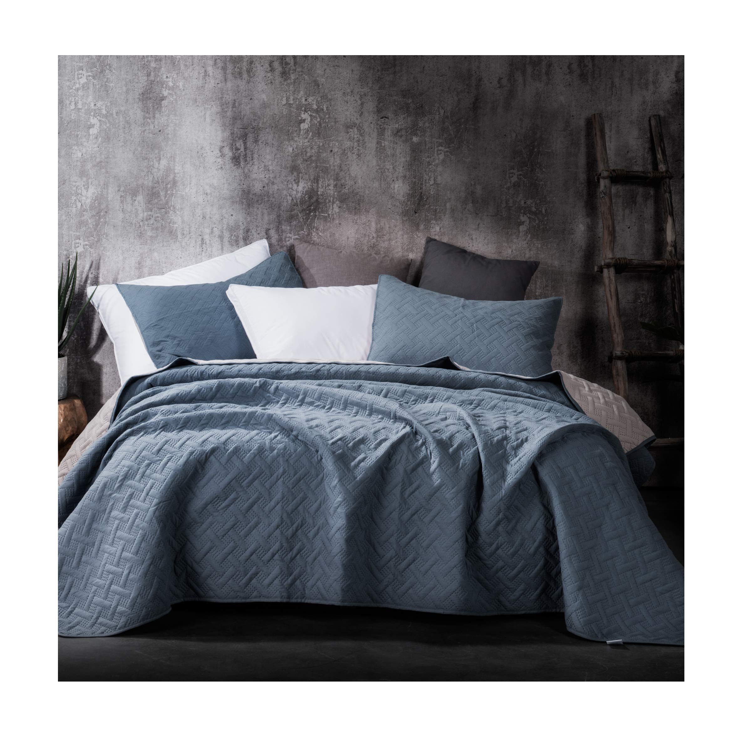 Kasentex Stone-Washed Ultra Soft Microfiber 3-Pc Bedding Set #1 Best Summer Lightweight Quilt Comforter Contemporary 2-Tone Reversible Color, Full/Queen + 2 Shams, Indigo Light/Cement Grey