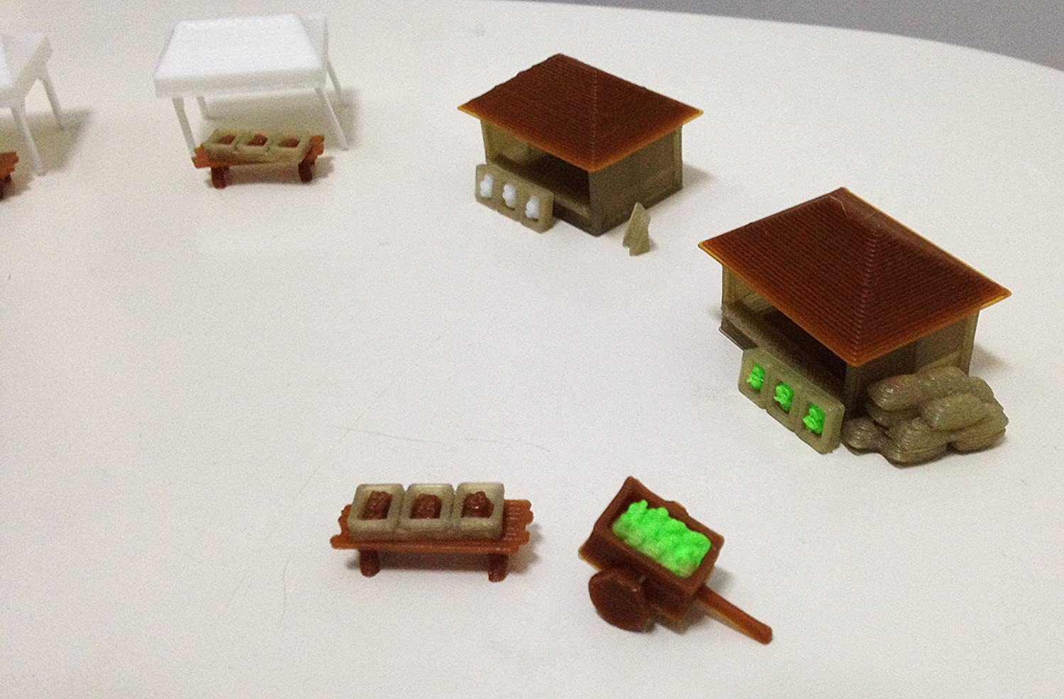 Outland Models Railway Miniature Food Shop Market and Accessories Set N Scale