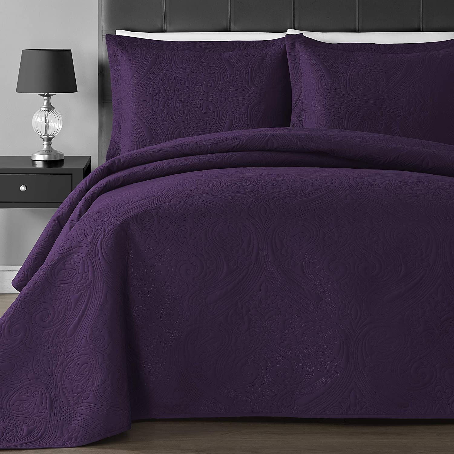 Comfy Bedding Extra Lightweight and Oversized Thermal Pressing Floral 3-Piece Coverlet Set (King/Cal King, Plum)