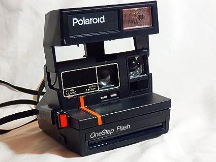 amazon com polaroid one step flash 600 instant camera instant rh amazon com One Step Polaroid Land Camera Film Camera Camera Vintage Polaroid One Step Pictures