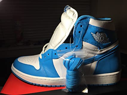 da14dd1e277 Amazon.com: Nike Air Jordan 1 Retro High OG UNC 2015 (13): Sports ...