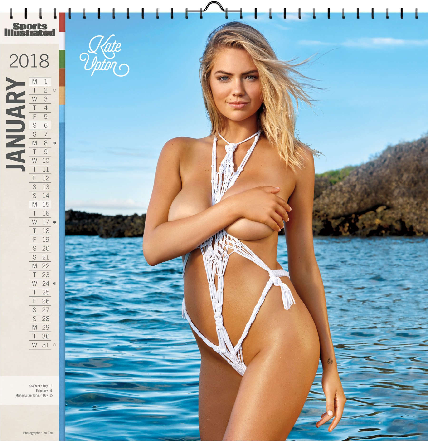 17a47f027d Sports Illustrated Swimsuit 2018 Deluxe Wall Calendar  Trends  International  0600292687837  Amazon.com  Books