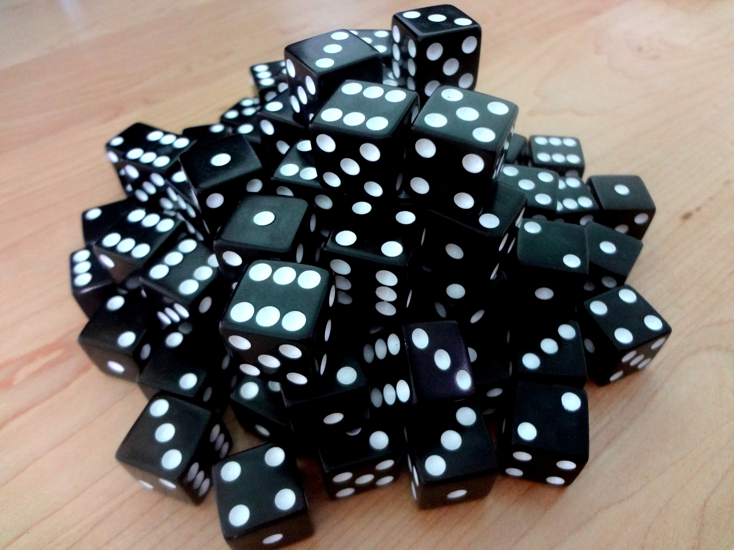 Discount Learning Supplies 100 Black Dice - 16Mm by Discount Learning Supplies