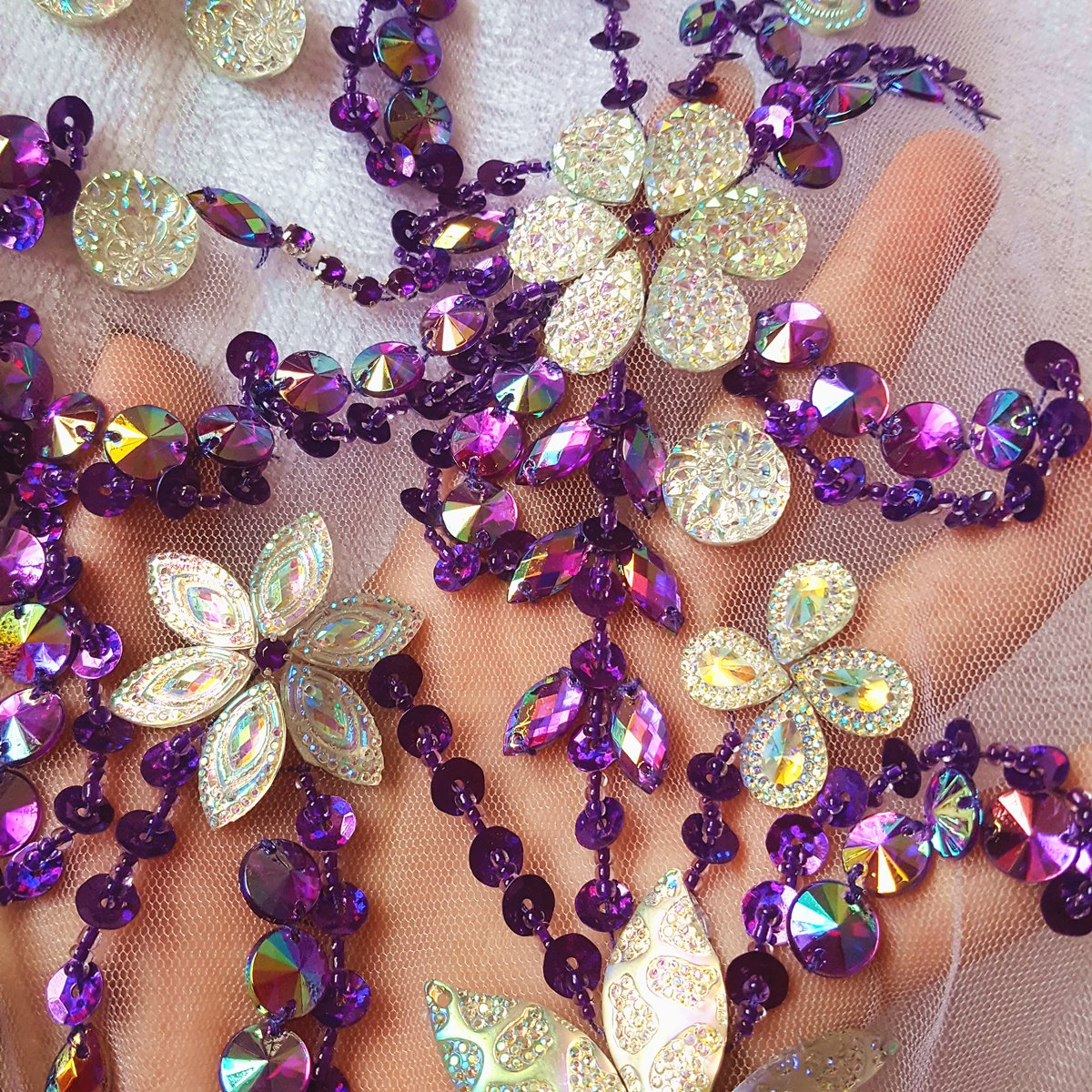 Noble Pure Handmade Beaded Crystal AB Color patches Sew on Rhinestones with Stones Sequins Beads Applique Designs Patches Sewing for DIY Wedding Dress Trim 30x60cm AB