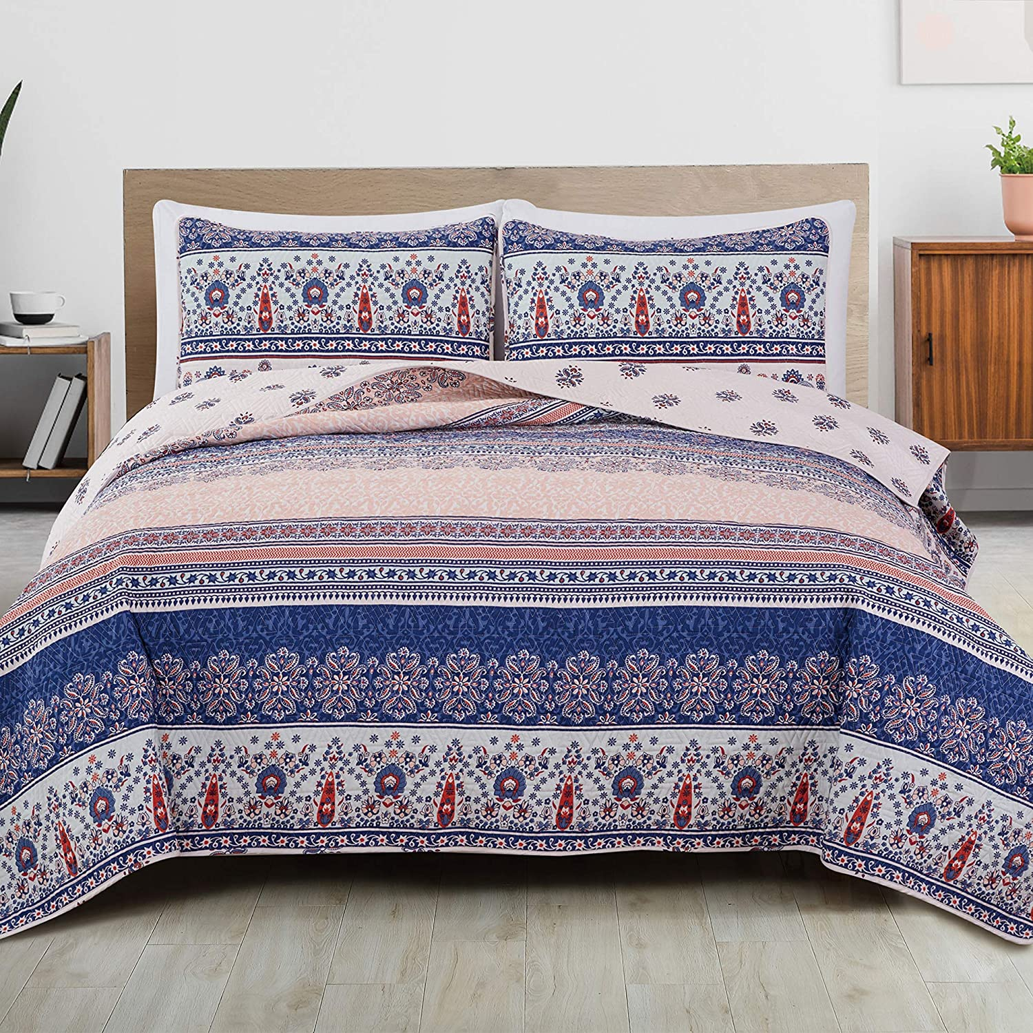 Great Bay Home 3-Piece Reversible Quilt Set with Shams. All-Season Bedspread with Boho Striped Pattern. San Mateo Collection (King, Multi)