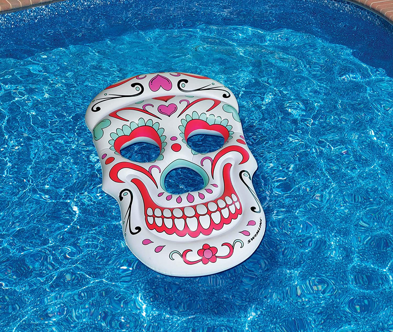 """Amazon.com: 62"""" Multicolor Azúcar Cráneo Novedad ..."""