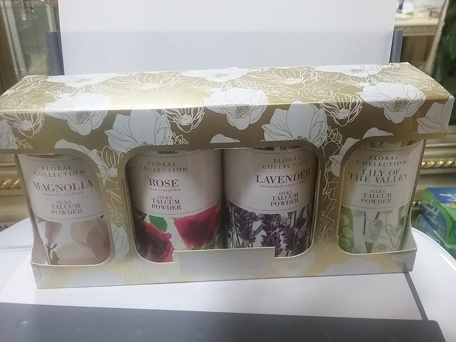 Marks and Spencer talcum powder 4X 50g Rose, lavender, Lily ,Magnolia , gift set travel pack M and S