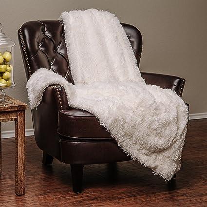 Amazon Chanasya Super Soft Shaggy Hypoallergenic Luxury Chic Inspiration White Fluffy Throw Blanket